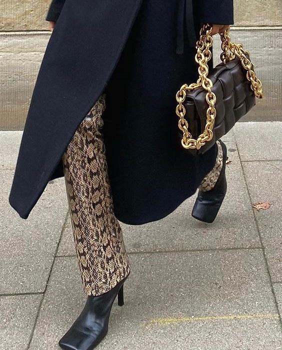 Πώς να φορέσεις αλυσίδες σε ρούχα και αξεσουάρ - The Cover