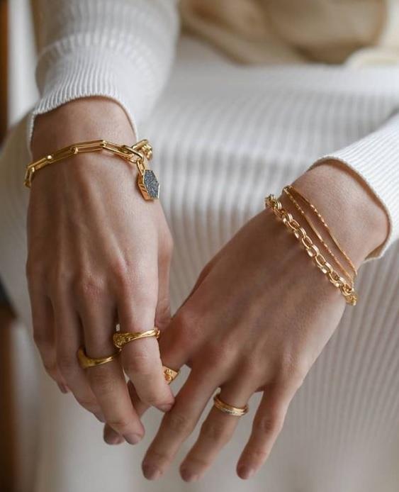 Πώς συνδυάζονται τα κοσμήματα