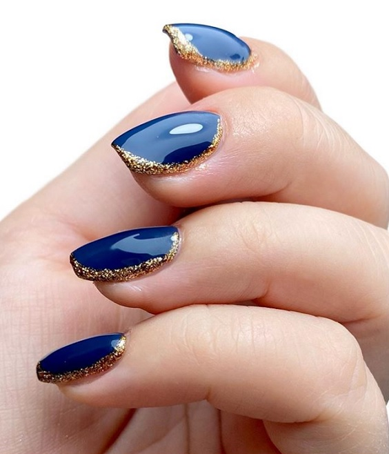 Glamorous manicure για τις γιορτές