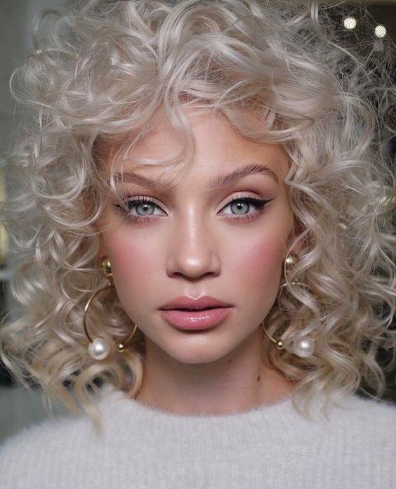 The Curly Girl Method Όσα Πρέπει Να Ξέρεις Για Την Μέθοδο Περιποίησης Μαλλιών
