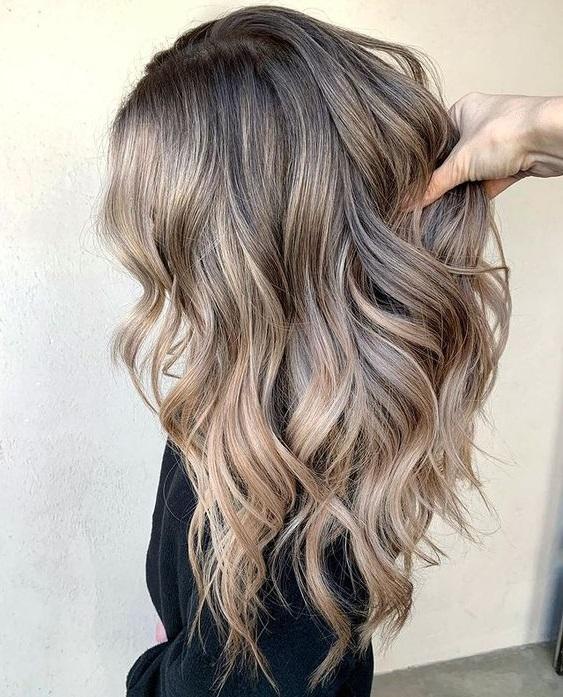 Μπαλαγιάζ Σε Καστανά Μαλλιά: 13 Εντυπωσιακά Look