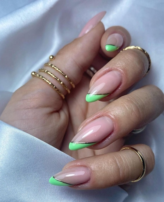 Σχέδια για πράσινα νύχια - The Cover