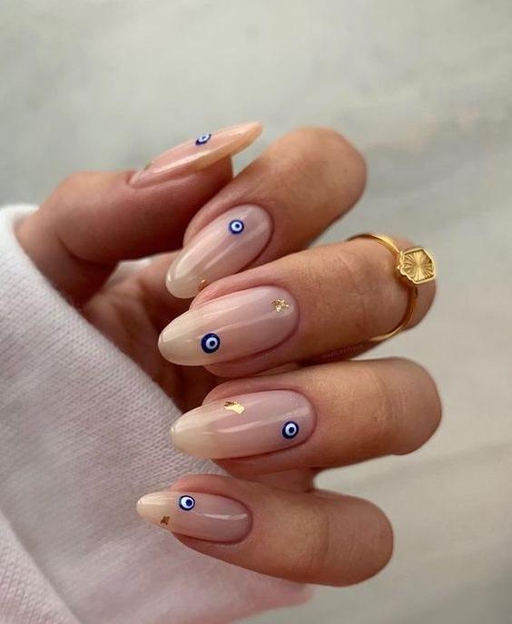 Νύχια με ματάκι - The Cover