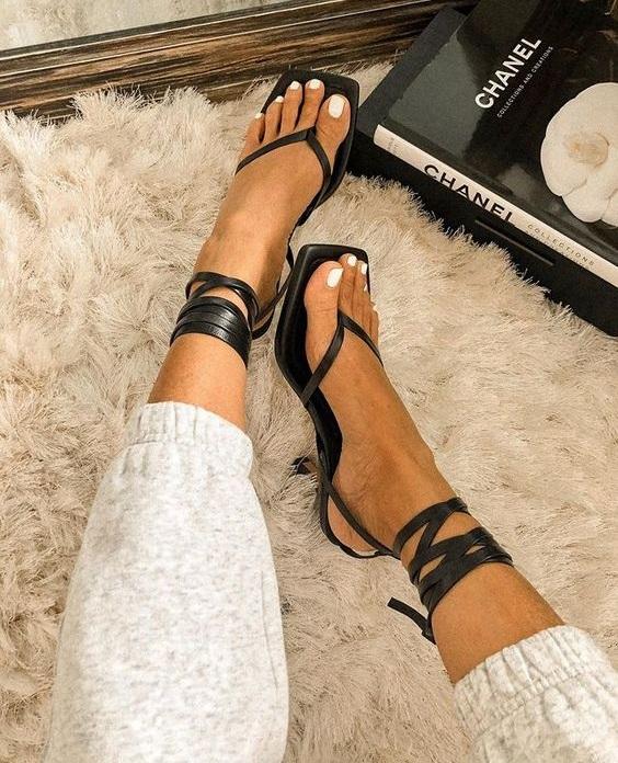 Παπούτσια καλοκαίρι 2021 - The Cover